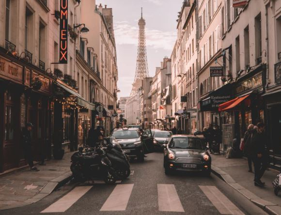 Bank of America is hiring students globally for its Paris office